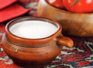 Atšaldytas virintas pienas su grietine (Тарак)